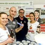 Trainer Martin Keupp, Sponsor Sebastian Cibura mit Verena Reusch und Romina Keidel