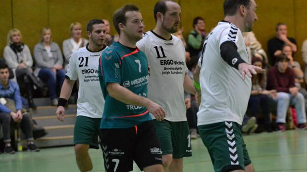 Handball-Bezirksoberliga Männer: TV Marktsteft – DJK Waldbüttelbrunn 27:22 (14:10). - Foto: Jürgen Sterzbach